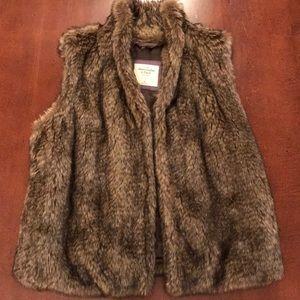 Abercrombie & Fitch Faux Fur SZ M